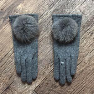 Brand new rabbit fur pom Pom gloves with crystal